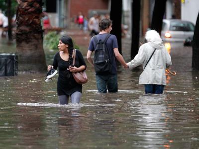 Devastating floods strike Queensland, disaster declared (VIDEO)