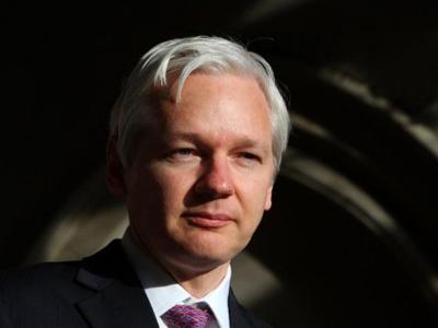 US needs Assange under arrest 'while seeking Manning link'