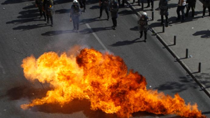 Petrol bombs vs teargas: Thousands across Greece protest austerity measures (PHOTOS)