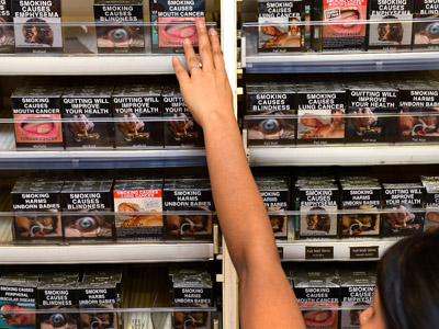 Plain packaging, graphic warnings: Australia fights nicotine addiction  (GRAPHIC PHOTOS)