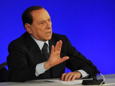 Addio Silvio! Berlusconi plays last hand