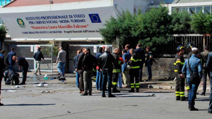 Bomb blast hits Italian school: at least 1 dead