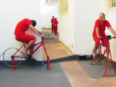 Brazilian 'chain gangs' pedal power path to freedom