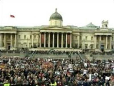 British protestors push for change to Iraq policy