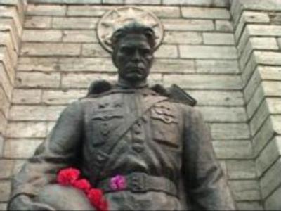 'Bronze Soldier' defended in Estonia