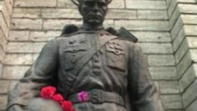 'Bronze Soldier' defended in Estonia