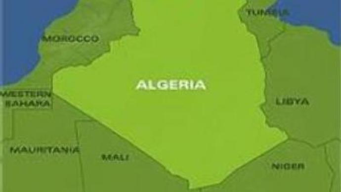 Bus blows up on landmines in Algeria