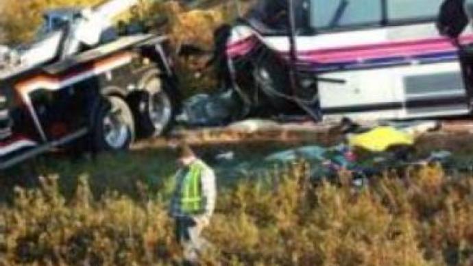 Bus falls from bridge in U.S., at least 6 dead