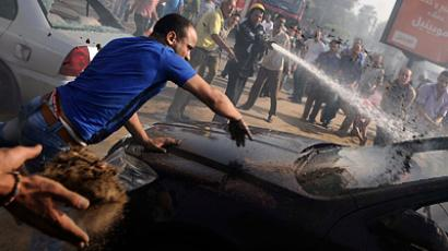 Clashes erupt on Egypt's Tahrir Square, over 100 injured (VIDEO)