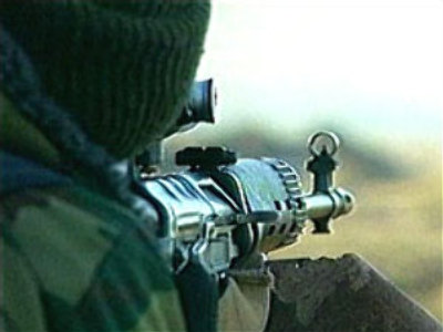 Chechen militants hit convoy