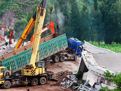 Chinese highway collapses after fireworks truck explodes, 9 killed (PHOTOS, VIDEO)