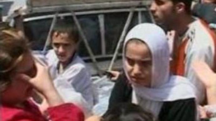 Civilians flee Lebanese refugee camp
