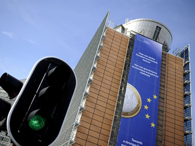 Signals Spain may seek bailout spelling disaster for eurozone