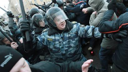 Moscow police detain hundreds to prevent ethnic clashes