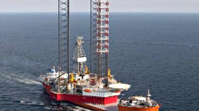 Search continues for sunken oil rig crew