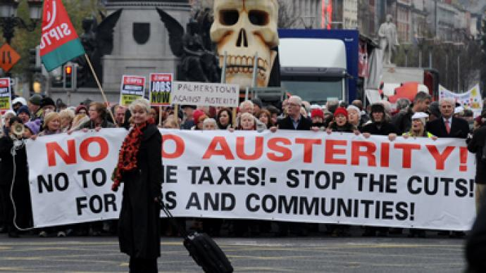 Thousands march in Dublin against austerity
