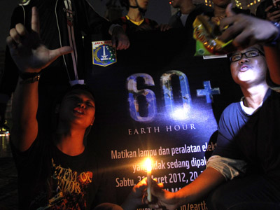 Switching to candle light: Russia goes dark for Earth Hour (VIDEO, PHOTOS)