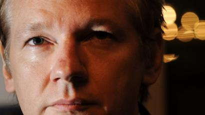 Assange supporters occupy Melbourne's UK consulate