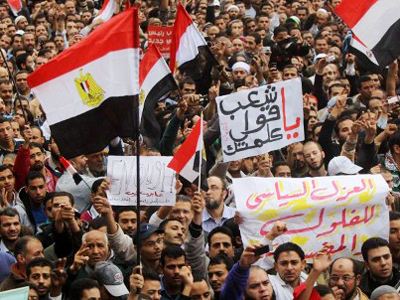 Tahrir tear gas: Revolt flashback amid violent clashes (VIDEO, PHOTOS)