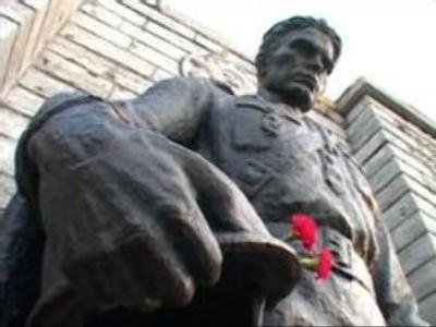 Estonian war memorials law draws mixed reaction