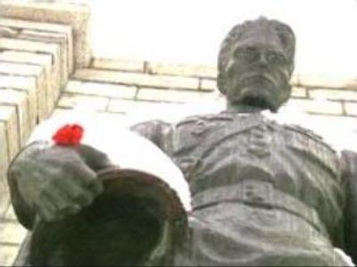 Estonians move closer to removing Soviet war memorials
