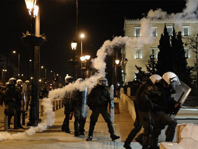 Pensioner's suicide over 'occupation govt' sparks riots in Greece (PHOTOS, VIDEO)