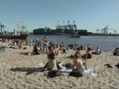 Europe enjoys unseasonably high temperatures