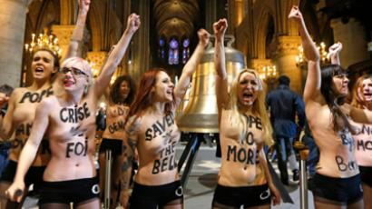 'Topless Jihad': FEMEN flashes Tunisian president during Paris summit (PHOTOS)
