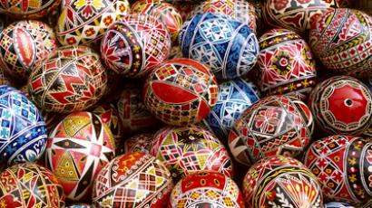 Eggstraordinary day: Easter celebrations in Russia (VIDEO)