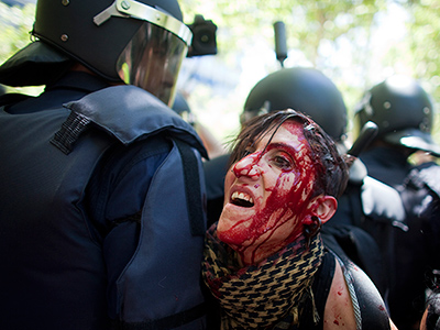 Hundreds clash with riot police in Madrid (VIDEO, PHOTOS)