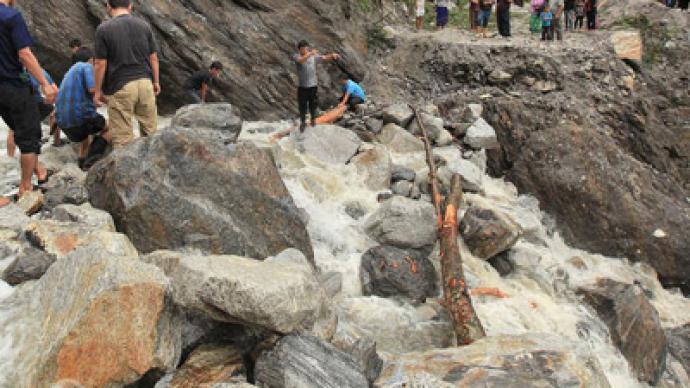 India floods and landslides kill 33, displace 1 million