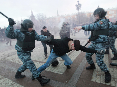 Police arrest 1300 in wake of ethnic clashes in Moscow