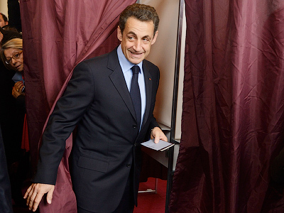 French election: Hollande edges out Sarkozy in 1st round
