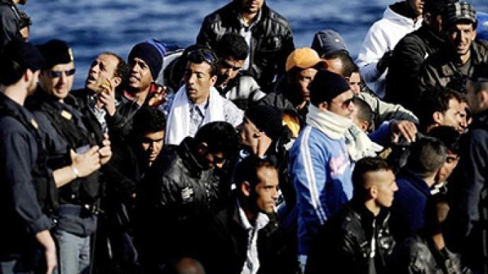 EU backs France stopping migrant trains