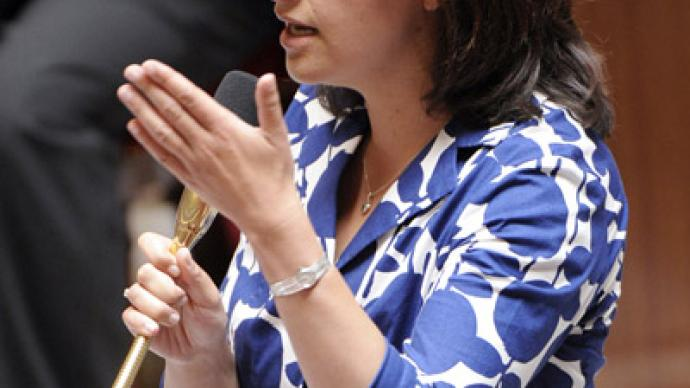 Dresses unwelcome: French MPs catcall female colleague