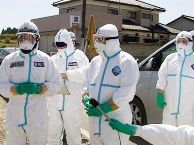 Fukushima operator starts test-drowning damaged reactor