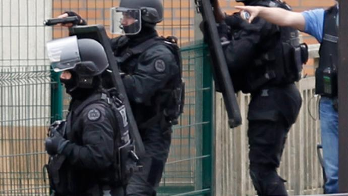 French hostage crisis deflates: Gunman arrested