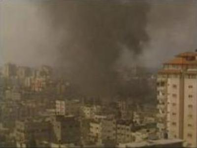 Hamas and Fatah sign tentative truce