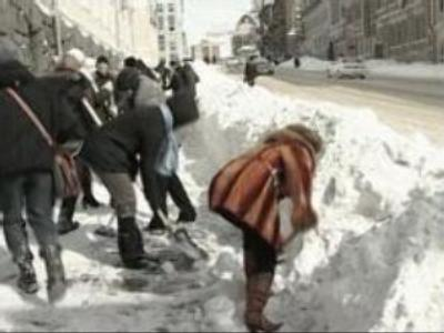 Heaviest snow ever recorded hits Russia's Far East