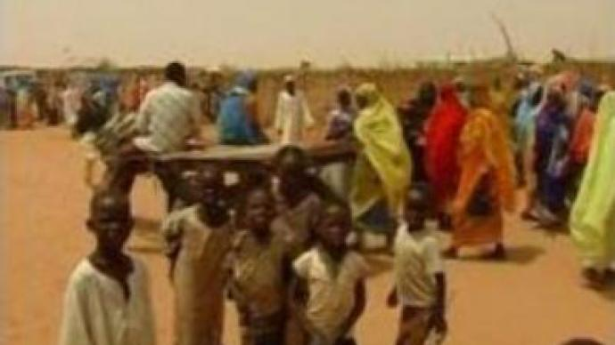 Humanitarian effort in Darfur at risk