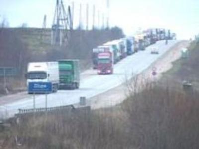 Hundreds of trucks standing on Latvian-Russian border