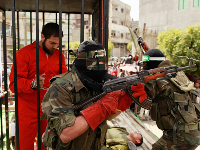 Hamas threatens Israel with revenge if hunger strikers die