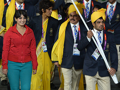 Indian Olympians see red: Gate-crashing girl steals spotlight from athletes (PHOTOS)