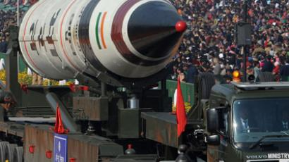 India boosts arsenal with nuclear-capable missile test (VIDEO)