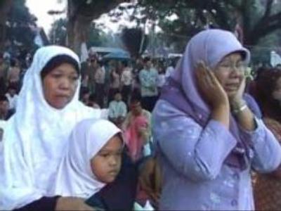 Indonesia remembers Java quake victims