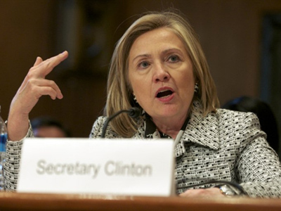 Armed with Twitter, Clinton seeks new information war