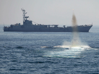 Iran stages 'modern warfare' drill in Strait of Hormuz