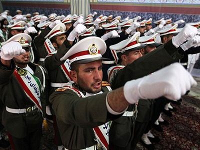 Iran threatens to hit US targets worldwide in case of war