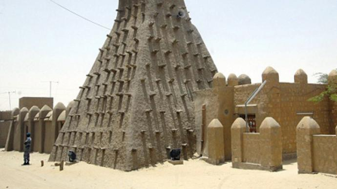 Extremists destroy historic shrines in Timbuktu, Mali