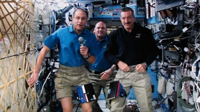 Mutant space microbes attack ISS: 'Munch' metal, may crack glass
